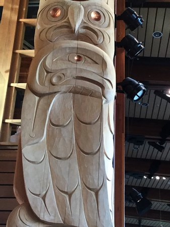 Squamish Lil'wat Cultural Centre: One of the many beautiful totems in the Centre.