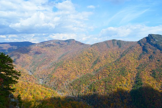 Linville Falls, NC: Linville Gorge, NC October 31, 2016
