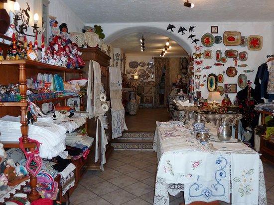 Armario Para Ropa Blanca ~ Loja de artesanato na Rua Direita Foto de Rua Direita,Óbidos TripAdvisor