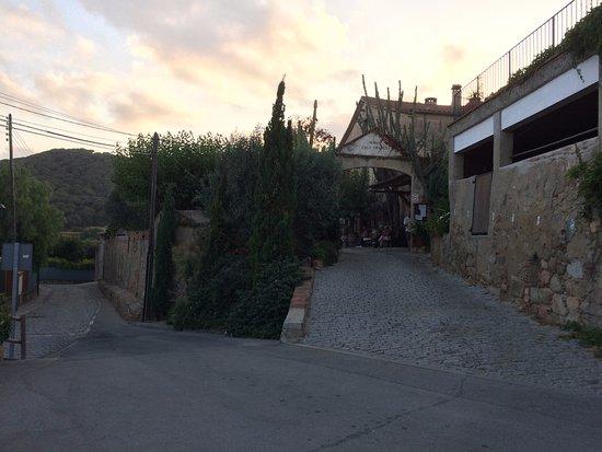 Cabrera de Mar, Spanje: Entrada de la masía de Cals Frares