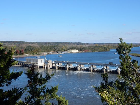 View of Illinois River Dam/Lock from Starved Rock - Picture of