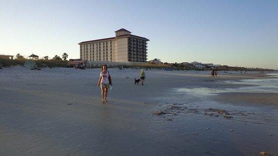 Atlantic Beach, FL: Walking the beach at sunset.