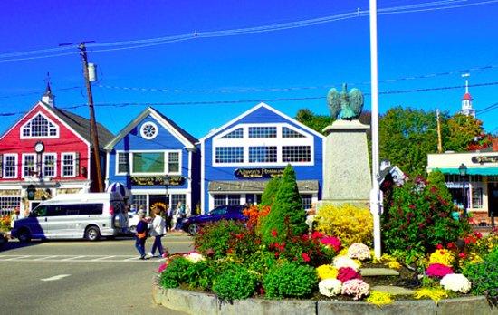 King's Port Inn: Main Street of Kennebunkport