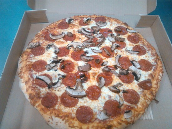 Domenic's Pizza: Fresh from the oven