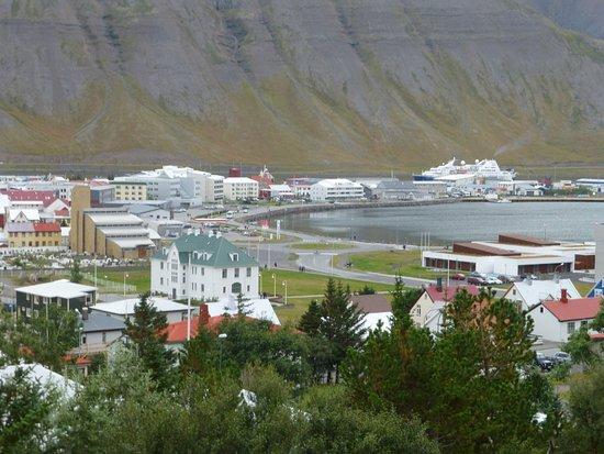 Isafjordur, Iceland: Scenic overlook