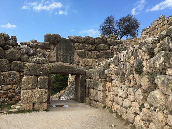 The Postern Gate at Ancient Mycenae - Picture of Ancient ...