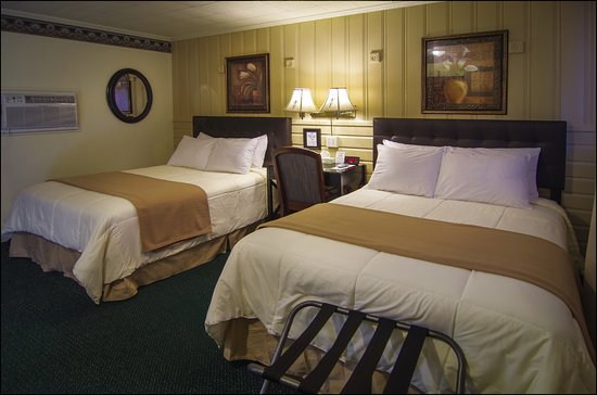 Amherst, VA: Nice Bed and Bedding