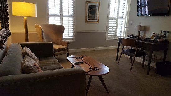 The Oliver Hotel: Suite Sitting Area
