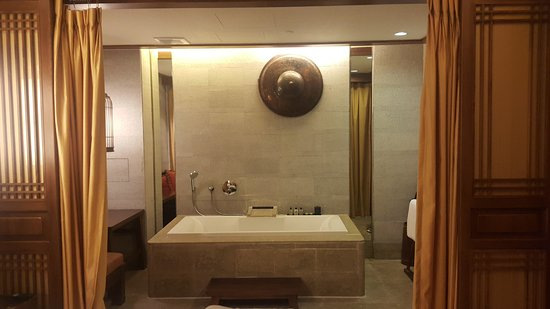 InterContinental Lijiang Ancient Town Resort: 20161012_183937_large.jpg