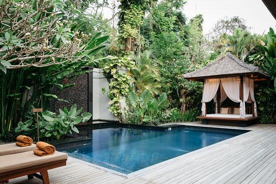 One Bedroom Villa Iris with Gazebo, Indoor Living Room and ...