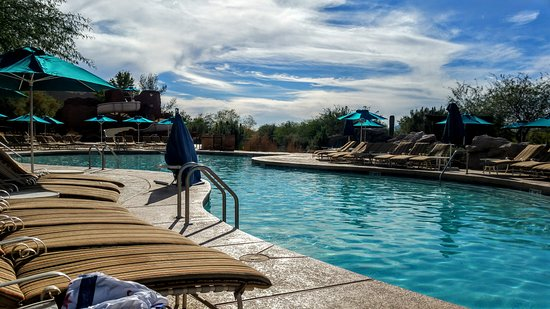 Sheraton Grand at Wild Horse Pass: 20161031_144359_large.jpg