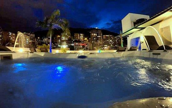 格蘭納達亞科爾飯店