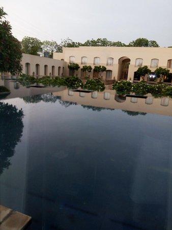 古爾岡三叉戟酒店照片