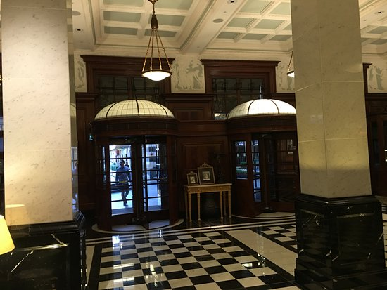 The Savoy Hotel entrance revolving doors & Hotel entrance revolving doors - Picture of The Savoy London ...