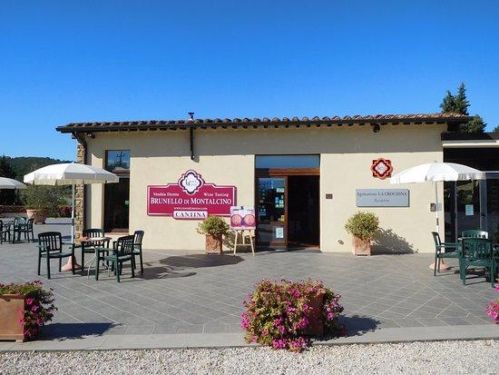 Agriturismo La Crociona: Reception/Wine Tasting Area