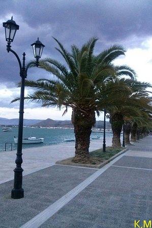 Nauplion Promenade: vyhhk,