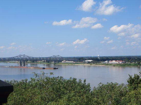 Vidalia, LA: View from Natchez of Hotel, river and bridge