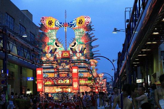 Noshiro, اليابان: 能代七夕「天空の不夜城」