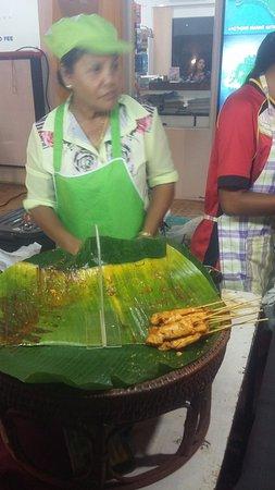 Bophut, Thailand: This was the best satay chicken we had in Thailand by far