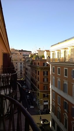 Hotel Garda: view of the quiet street near the Via Veneto