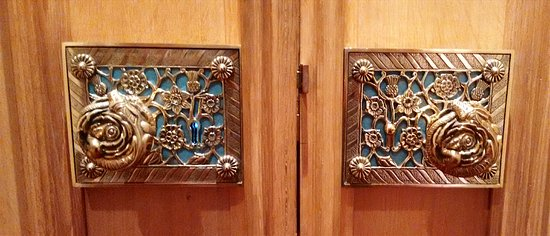 door knobs inside state apartments picture of windsor castle
