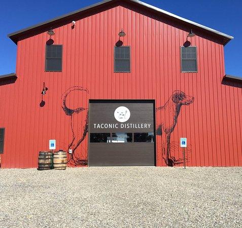 Stanfordville, NY: Taconic Distillery