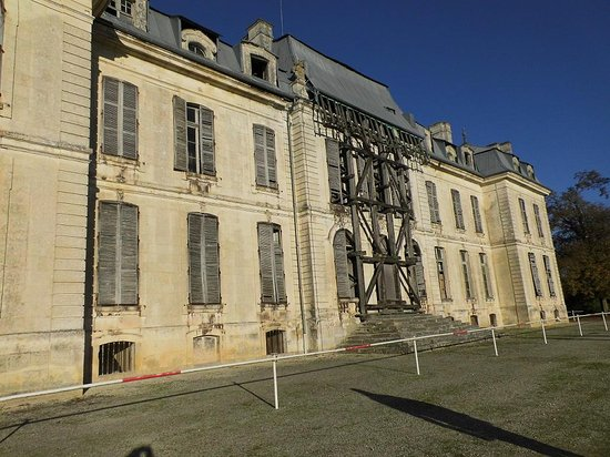 Château de Vaux : Château (vu des jardins)