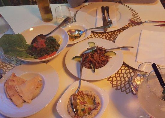 Menu Degustation Excellent Pour Decouvrir La Cuisine Libanaise