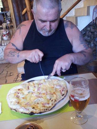Corcieux, Francia: pizza vogienne