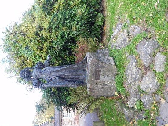 Exmoor National Park, UK: Lorna Doone statue in Dulverton