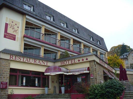 Bagnoles Hotel : Entrée de l'hôtel