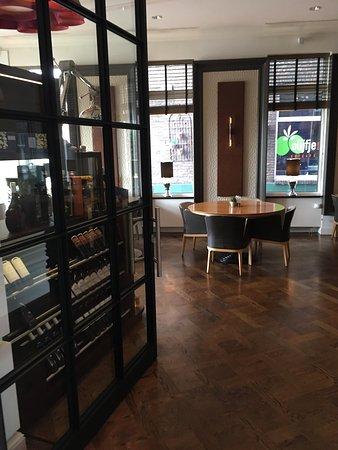 Hotel Dux: Eingang Brasserie
