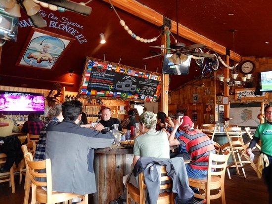 Denali Park Salmon Bake: entspannte Atmospähre