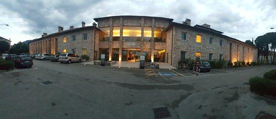 Hotel Cenacolo: Hotel Front