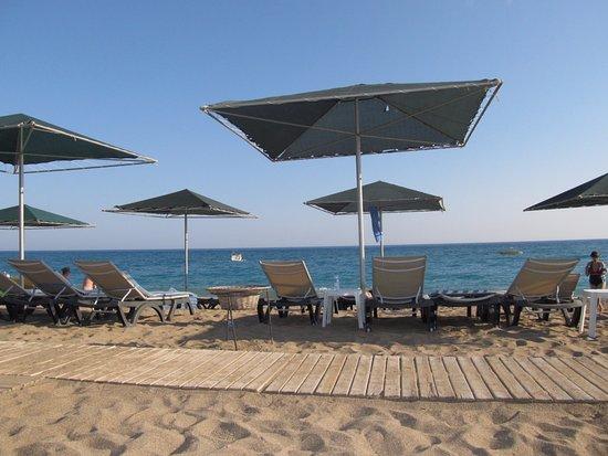Утренний пляж! Чисто и уютно! - Изображение Kaya Side, Сиде ...