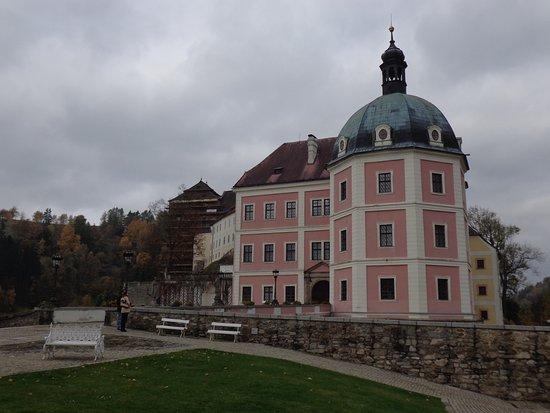 Hrad a zamek Becov nad Teplou