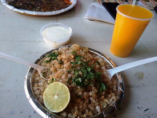 maharashtra food stall sabudana khichdi and mango lassi