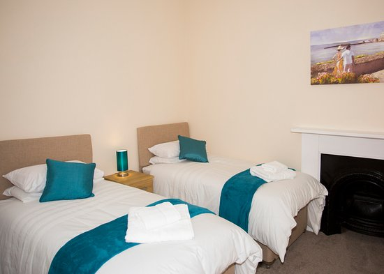 East Brent, UK: our twin room