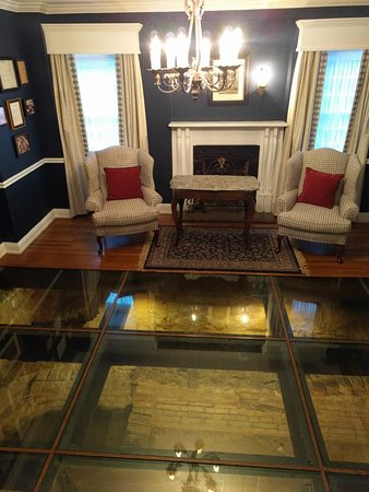 Historic Inns of Annapolis: A separate room in the lobby with glass floors to show original foundation