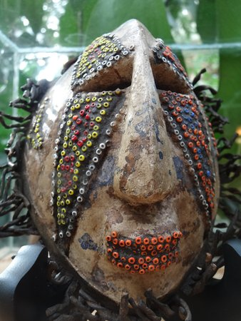 Phipps Conservatory: Old African mask used as passport