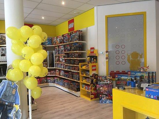 Nieuwerkerk aan den Ijssel, Países Bajos: Een gedeelte van de LEGO winkel Brick King in Nieuwerkerk ad Ijssel