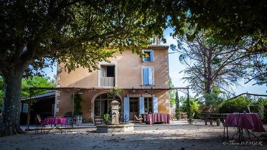 Caumont-sur-Durance, فرنسا: La Magnanerie