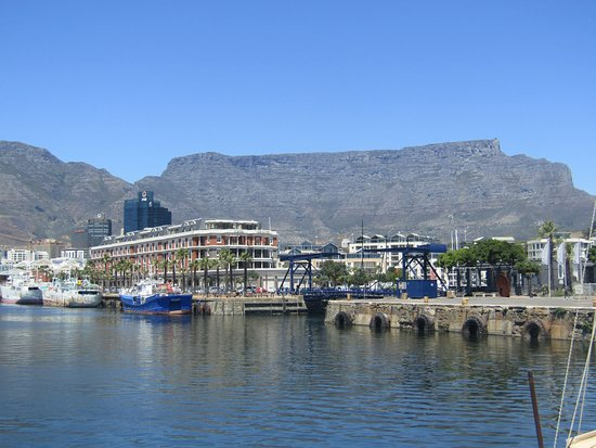 Cape Grace: Hotel with Table Mountain in the background