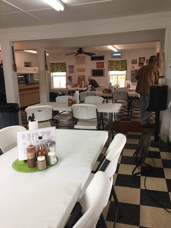 Statham, Джорджия: The dining room