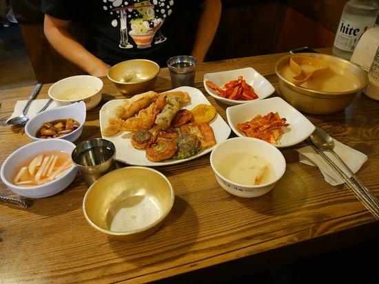 zenkimchi korean food tours makgeolli and fried food