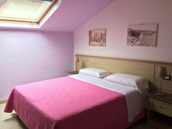 Emejing Azienda Soggiorno Sorrento Contemporary - House Design Ideas ...