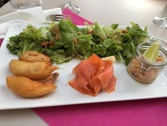 la mule du pape sea food salad with salmon shrimp dumpling etc