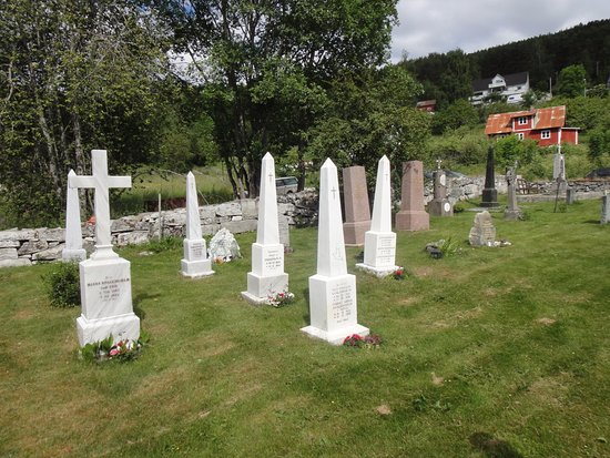 Kaupanger, Norvège : Kerkhof