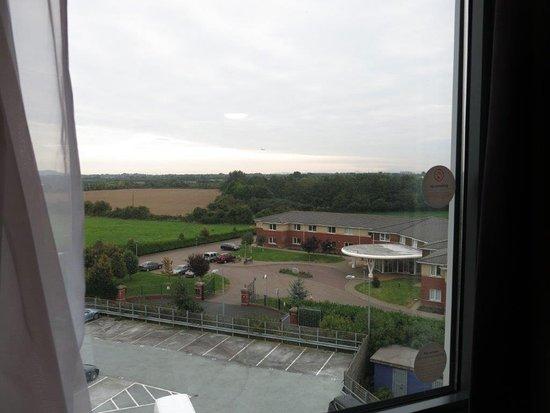 Premier Inn Dublin Airport Hotel: Room view