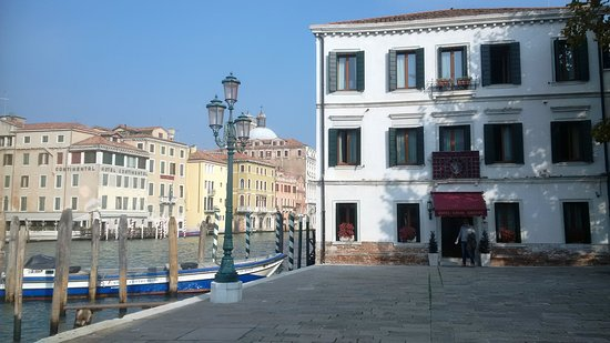 view of the hotel bild fr n hotel canal grande venedig tripadvisor. Black Bedroom Furniture Sets. Home Design Ideas